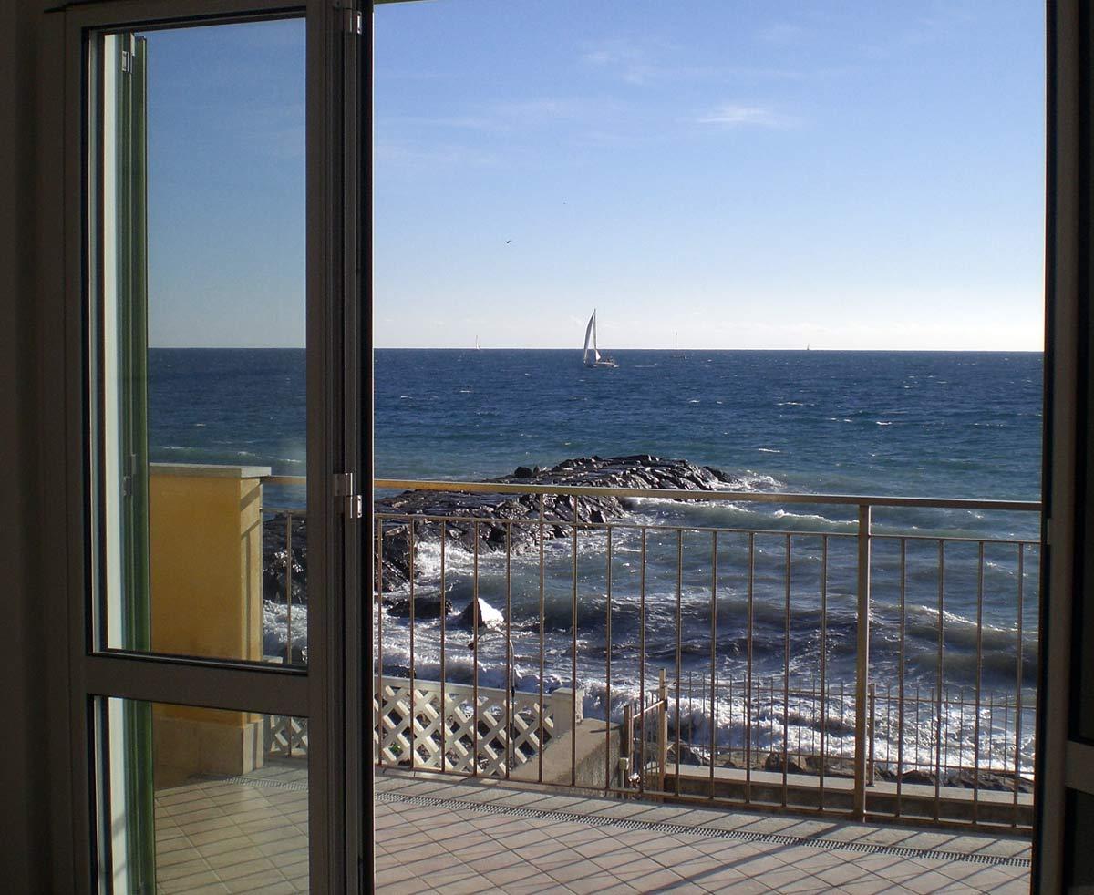 Appartamento villa appartamenti ville costa azzurra for Piani casa sulla spiaggia con ascensore