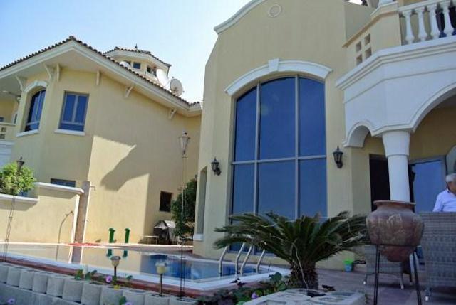 Dubai villa dubai ville dubai villas dubai villa palm jumeirah for Garden pool dubai