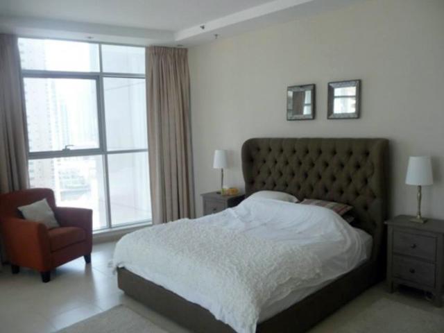 Dubai appartamento appartamenti villa ville for Foto di appartamenti arredati